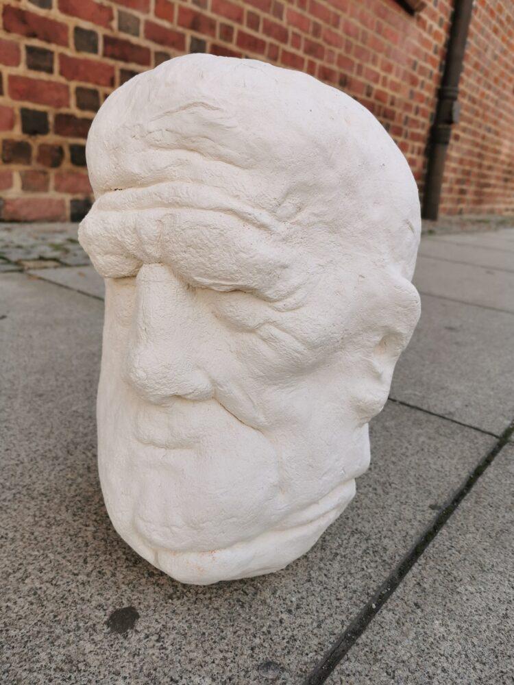 Głowa z cyklu Mędrcy